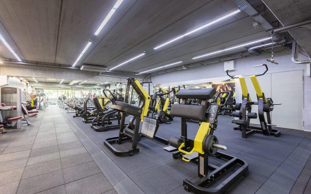Estrenem una nova sala de Fitness de 700m²amb un equipament de força d'última generació